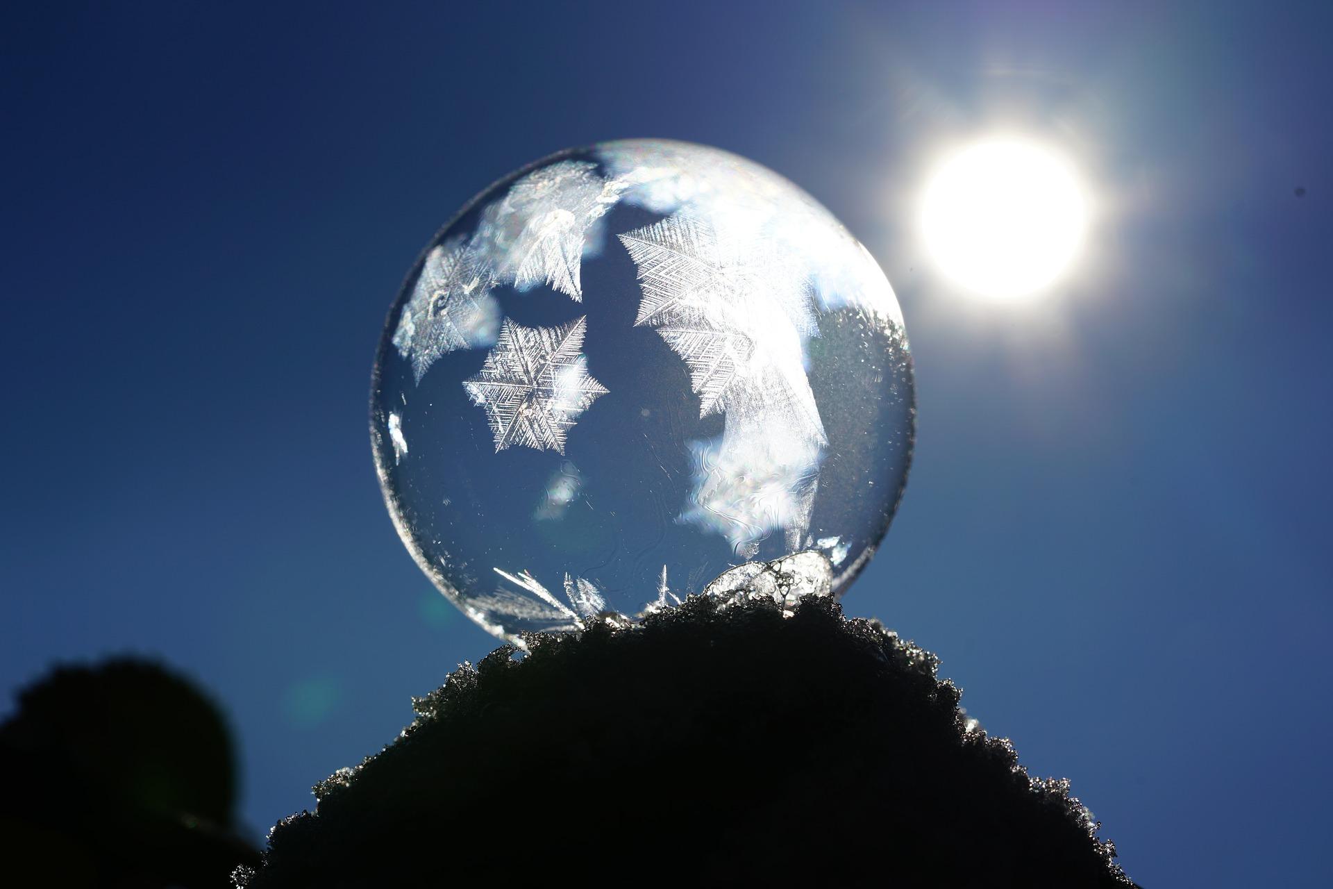 soap-bubble-1959327_1920.jpg